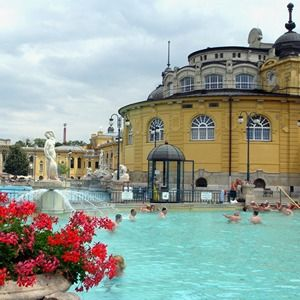 Visit the most beautiful Budapest city spas
